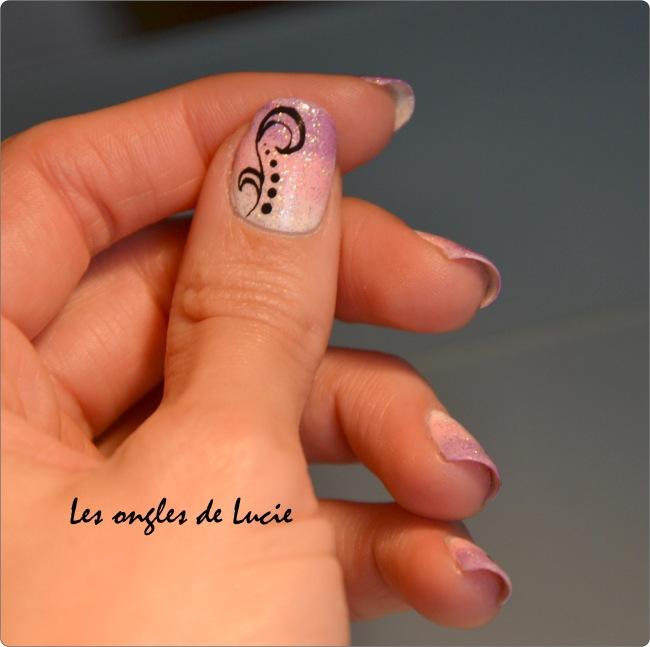 nail art arabesques les ongles de lucie. Black Bedroom Furniture Sets. Home Design Ideas