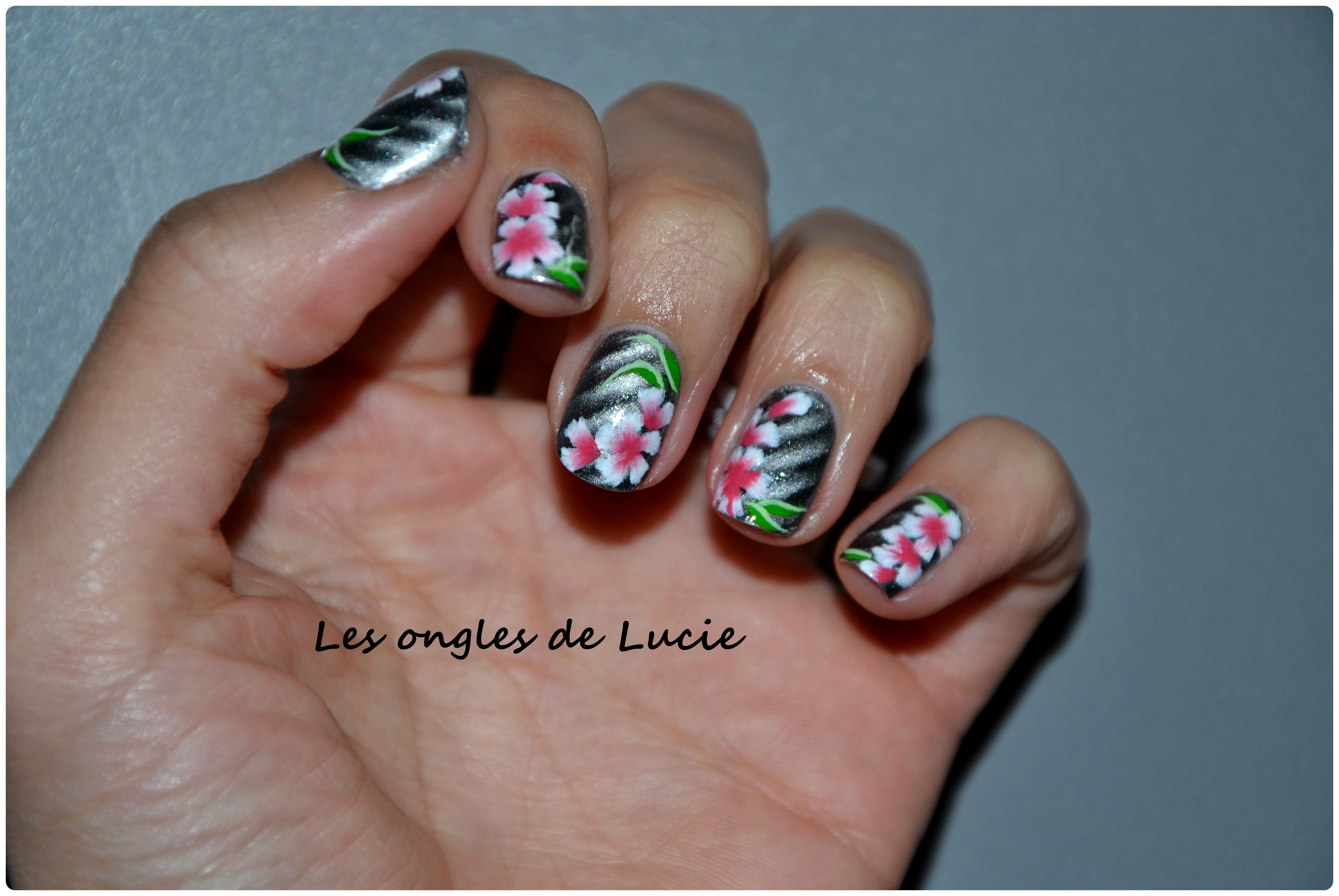 Nail art petites fleurs de printemps les ongles de lucie - Nail art printemps ...