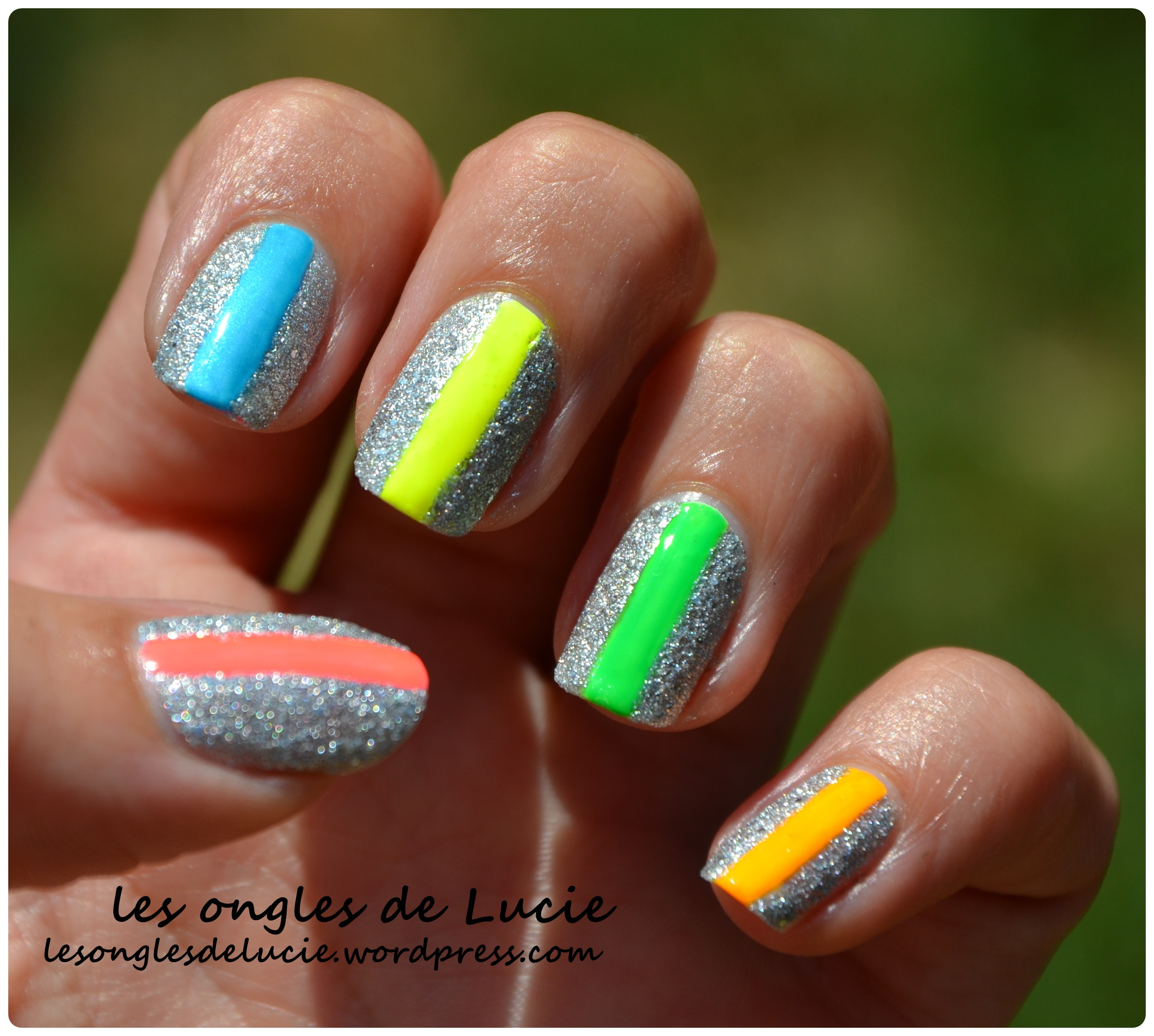 Nail art fluo les ongles de lucie - Ongle rose fluo ...