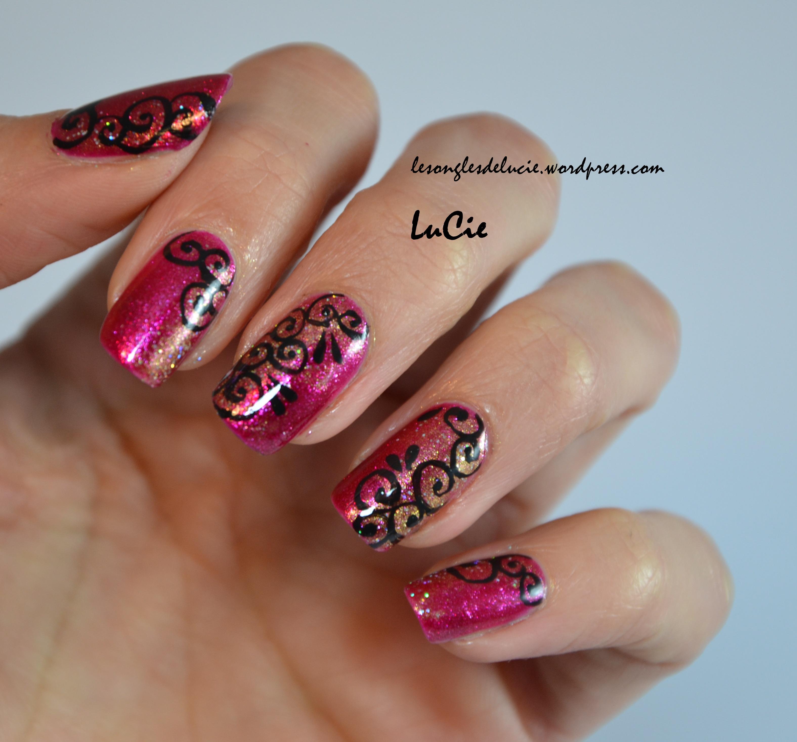 Nail art facile tendance orientale les ongles de lucie - Deco ongle simple ...