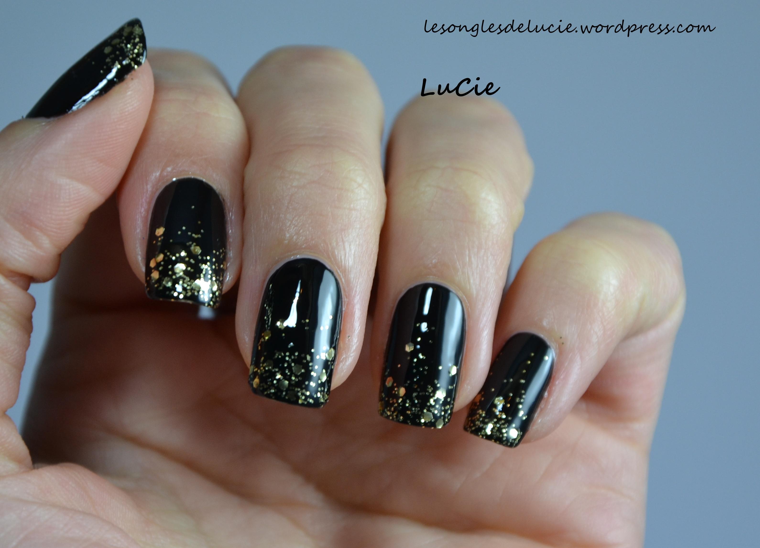 Nail art r veillon facile une invit e les ongles de lucie - Vernis a ongle noir ...