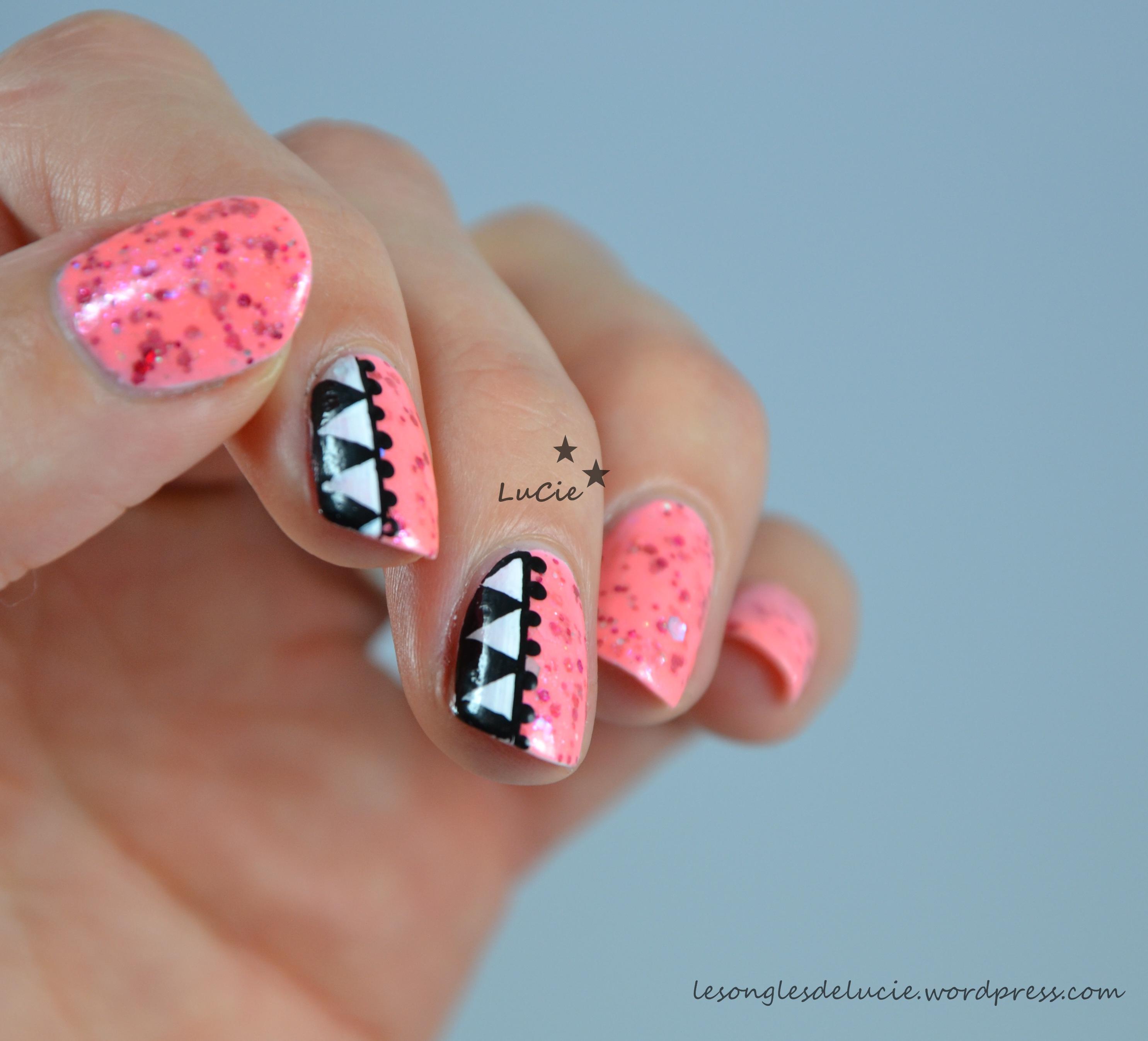 Motifs Aztèques Nail Art images