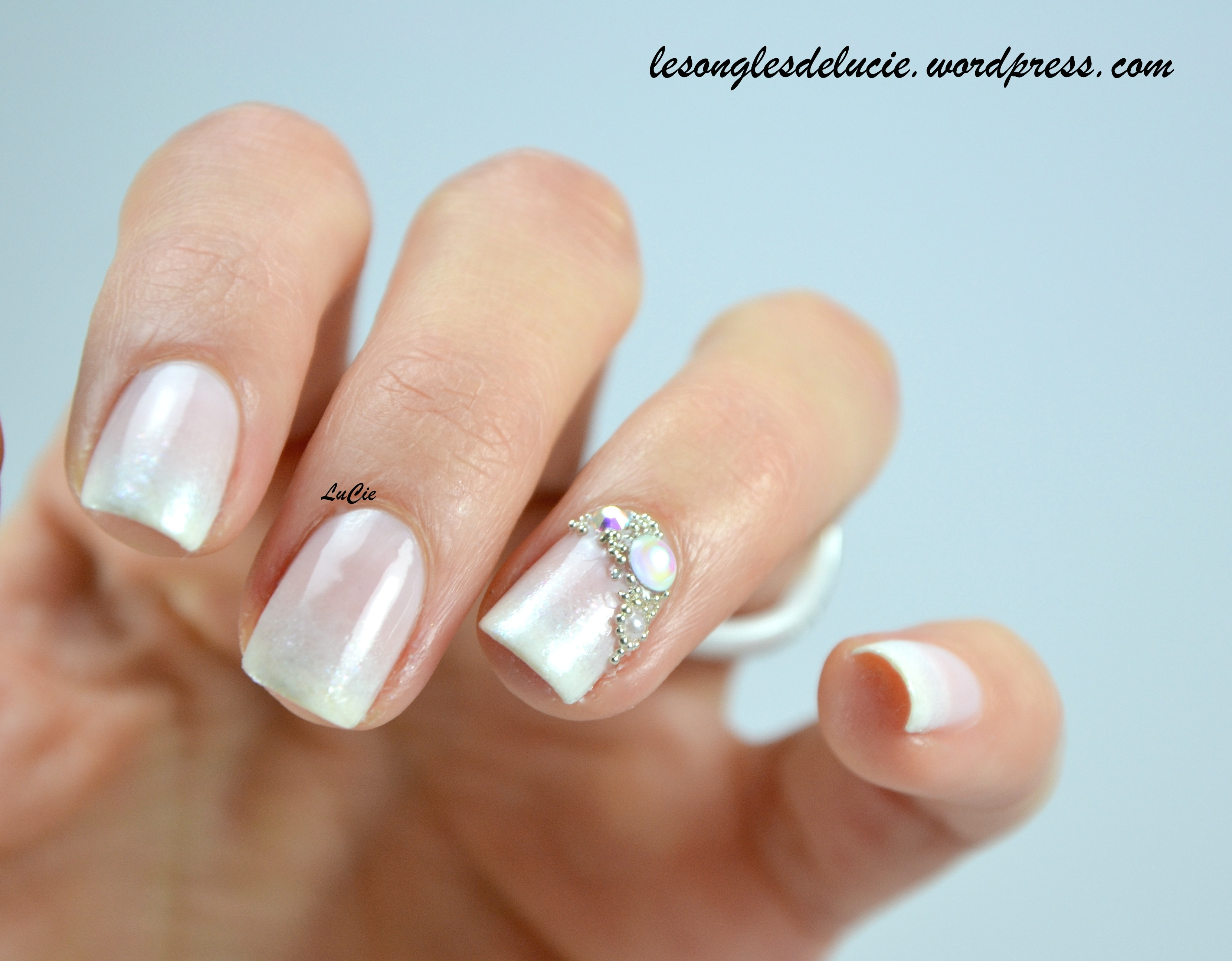 Nail art french baby boomer et accent nail bijoux les ongles de lucie - Nail art discret ...